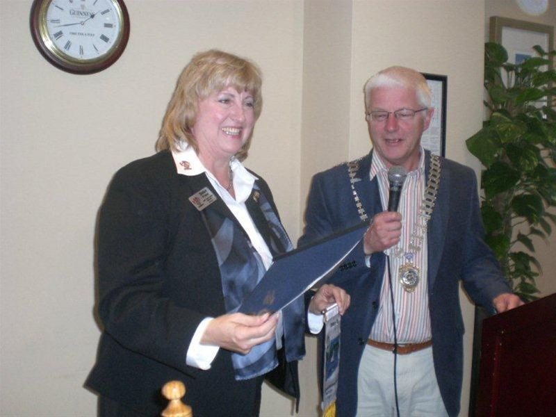 Group Study Exchange From USA / Canada to Dublin Rotary Club - Leader Debbie Franz with President Randel
