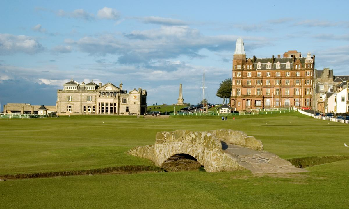 Tee to Green - The Old Course at St. Andrews