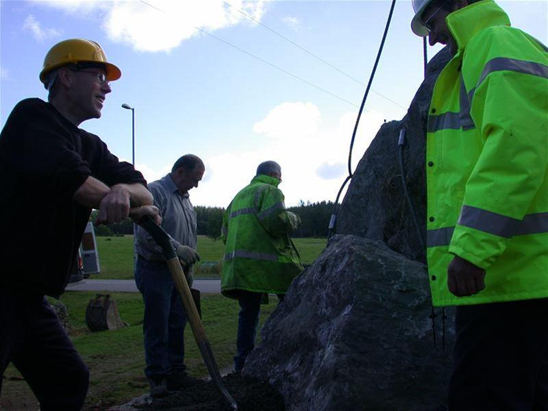 2005 Centenary - Eastern Gateway Stane - Installation of the Banchory Gateway Stane - one of our community projects