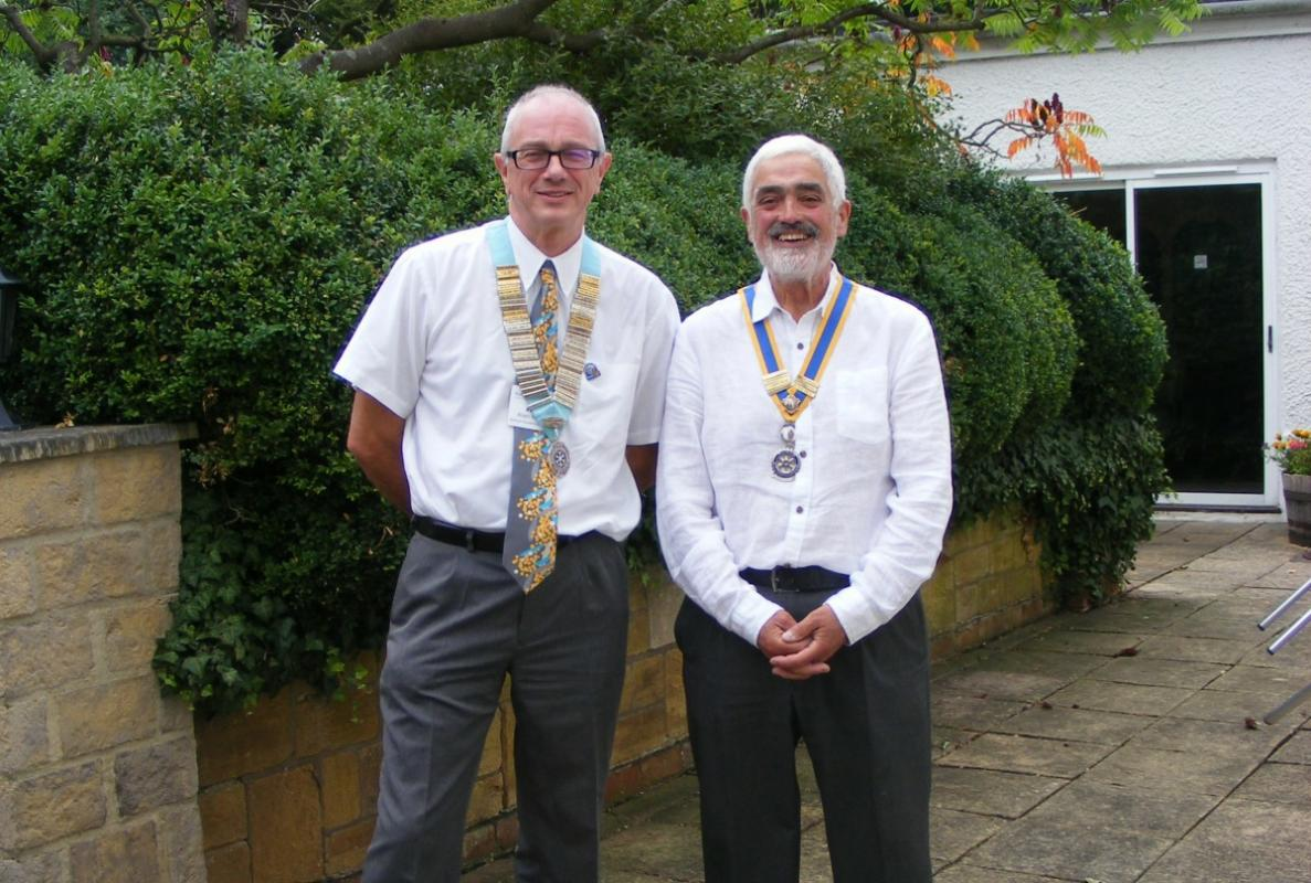 President Terry Pascoe and District Governor Alan Hudson