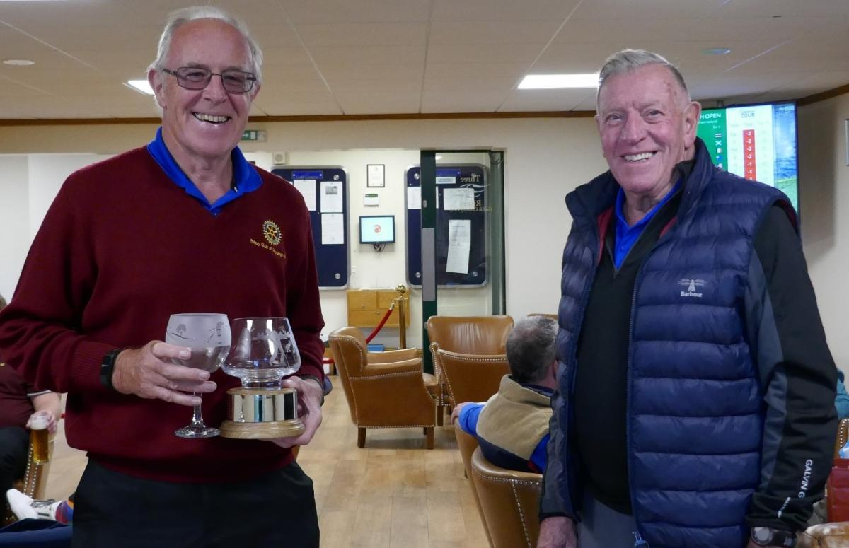 Club Golf Champinship - A Shackleton win in Antarctic Conditions - The winner receives his trophy and prize from organiser Dave Jarvis