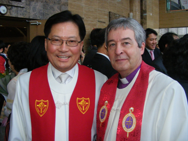Rotary Links across the world with Matching Grant - Ward Jones at the ordination of Rotarian Chul-Hee Park