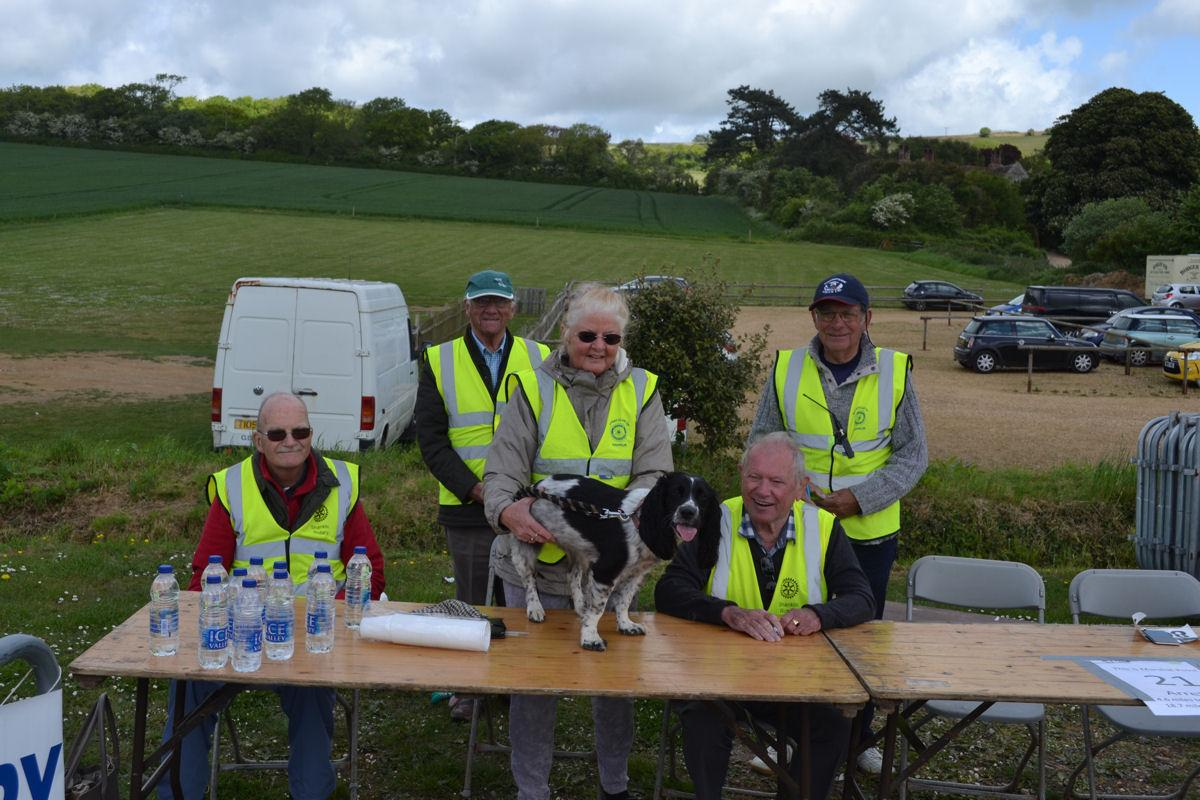 Walk the Wight 2017 - Shanklin Rotary Members at Arreton Barns checkpoint