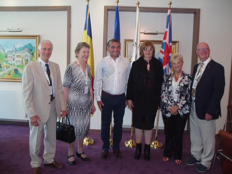 Thame Inner Wheel and Rotarians at Sinaia Forever 2015 - Meeting Vlad Oprea, Mayor of Sinaia