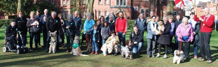 Rugby Rotary 2018 Dog Walk - A pack of dog walkers, with trusty four legged friends - ready for the off