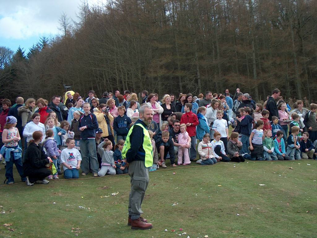 haddo egg hunt - egg rollers gather