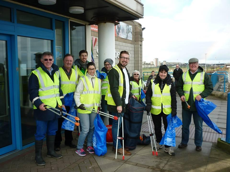Rotaract & Rotary in Action - Rotaract Quarterly Litter Pick - Meet the Team - DRESSED AND READY FOR ACTION!