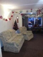 Xmas Decorating For Dementia Care At Pine Crescent