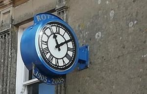 Rotary centenary clock in Broad Street