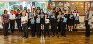 Club gives Illustrated dictionaries to Year 6 students