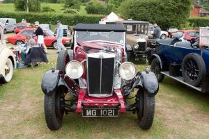 Senlac Classic Car Show  & Country Craft Fair
