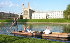 Aug 2012 Punting and a Picnic on the Kings' Backs