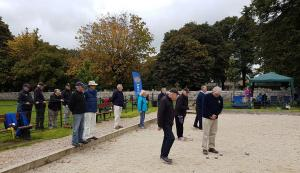 Playing Boule in Rotary Competition