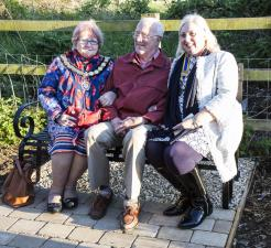 "Thame Rotary""™s latest community project: Brian""™s  Seat on Phoenix Trail"