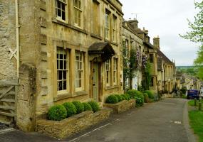 Spring Visit to Burford in the Cotswolds