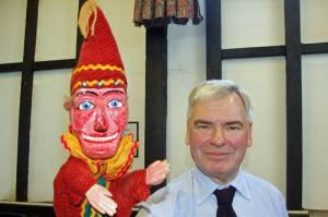 8 December 2010 - 'Professor' David Warner tells the history of Punch & Judy