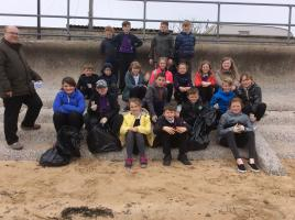 Golspie Primary & RotaKids Club Beach Clean