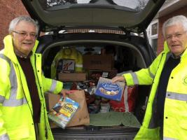 IPP Mike and Club Secretary Mike deliver to the Food Bank