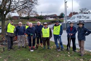 Crocus Planting in Stourbridge