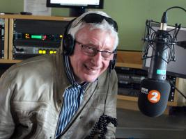 Perfect for Radio - John Davies Makes Elizabethan Pie on Radio 2