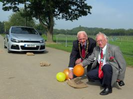 Visit of Mayor of Oswestry and District Governor to Lifeline 2014