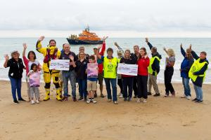 Martello Rotary help local RNLI