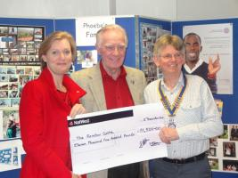Whiteley Rotary Club Present Cheque to Rainbow Centre