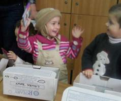 2013 Rotary Shoeboxes delivered in Romania