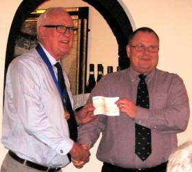 RNLI receives club donation