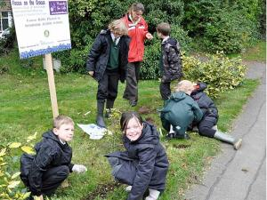 12-20 October 2010 - local schools plant bulbs for Rotary's 'Focus on the Crocus'