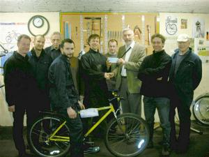 Esk Valley Rotary Helping Re-Cycling At The Bike Station