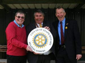 Rotary funding for new bowls club shelter (16/04/14)