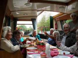 Kintbury Volunteer Group  Barge Trip 2014