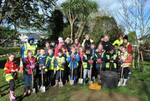 End Polio planting by Falmouth Primary pupils