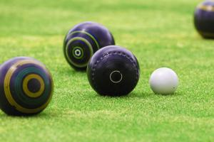 Outdoor Lawn Bowls