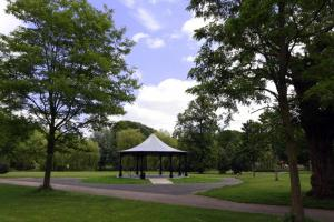 Rotary Bandstand for Luton Gifted to Luton Borough Council