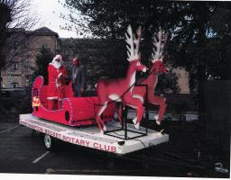 Santa and his Sleigh visit Blacky More