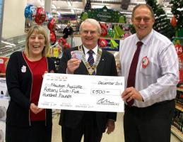 Tesco recognises Rotary's contribution to the community