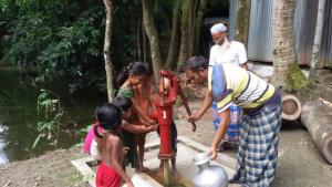 One of the new wells in action in the village of Bhongergaon