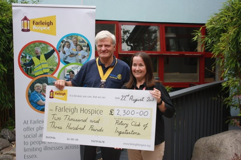 Cheque to Farleigh Hospice