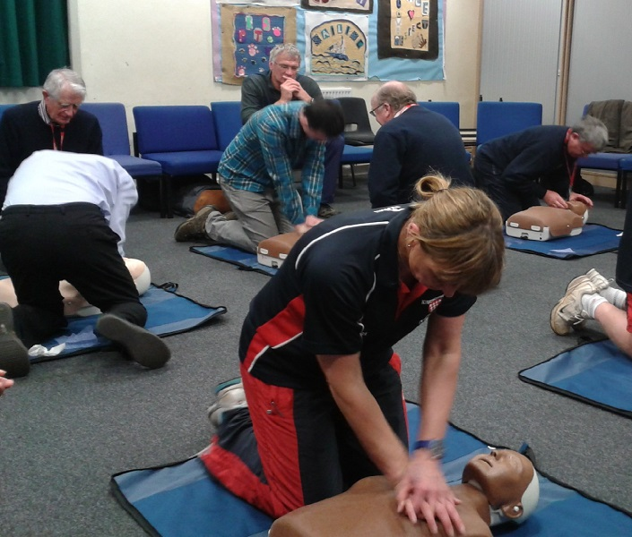 Teaching CPR at a Kingsbridge Heartstart training session