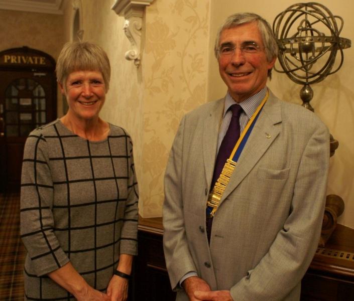 85fdd06d0 Julian welcomes Jane to Shrewsbury Severn Rotary Club