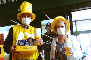 John & Angela Williams collecting for Marie Curie Cancer Care