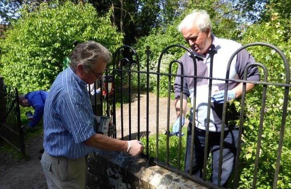 Rotarians Nic Nicol and Grahame Shaw