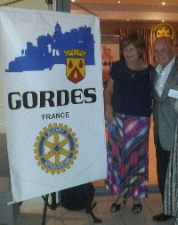 Caroline Kehoe President of Braids Rotary Club with Claude Ferrier Past DG of Cavaillon Rotary Club.