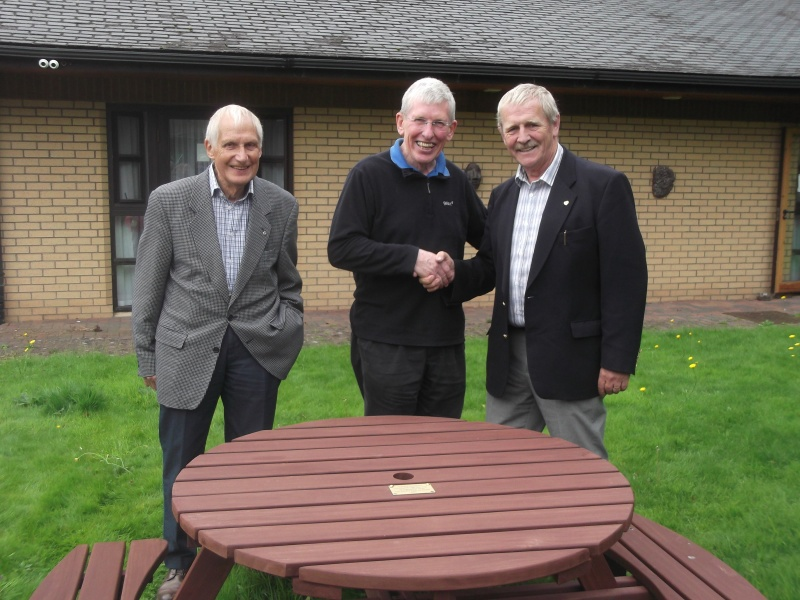 Presentation of Garden Furniture by Rotary Club of Braids to Milestone House.