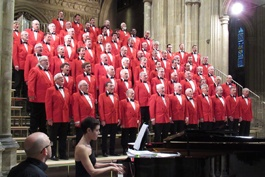 LWMVC singing in the Canterbury Cathedral