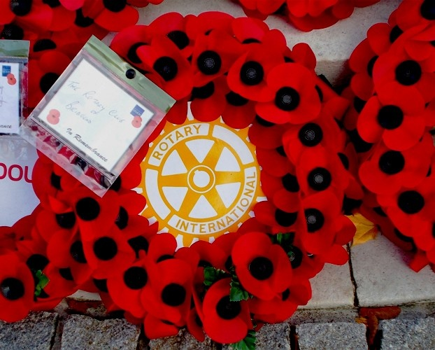 e2a226d3503 At Sunday's Bridgend Remembrance Parade Rotarian Alan Reeks and President  Hopkin Joseph carried the wreath to lay on behalf of the Club.