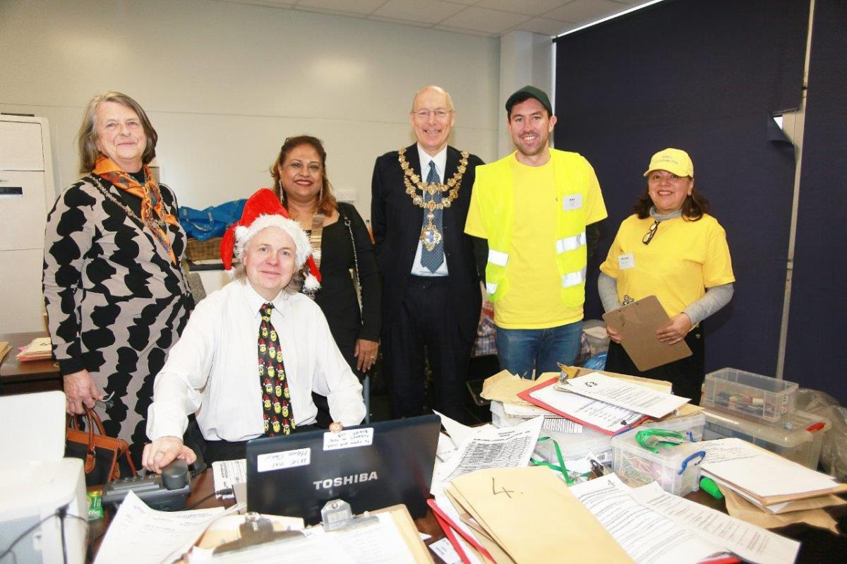 Christmas Day 2018 - Mayor Councillor Piers McCausland visiting the transport office