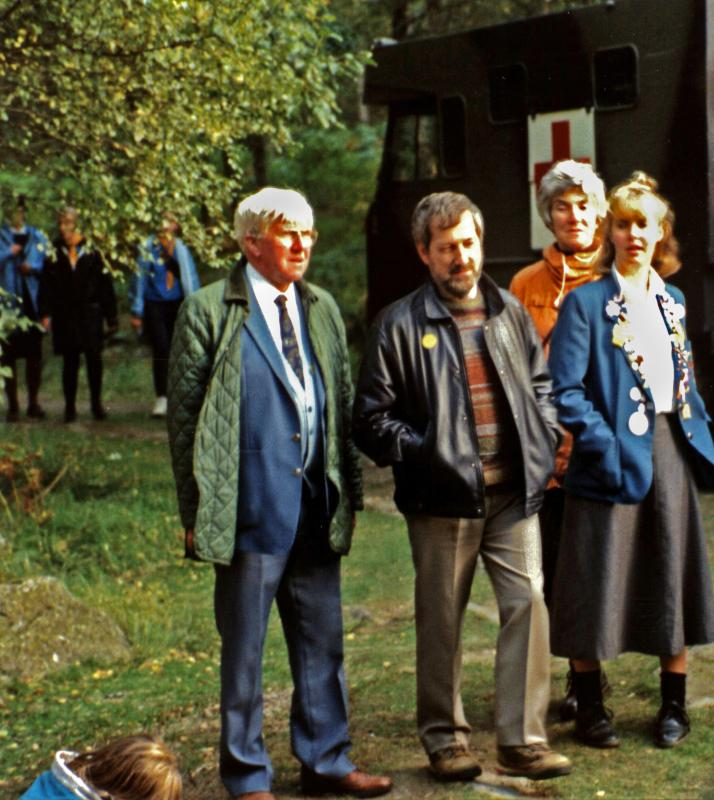 1986 Scolty Tower refurbishment - 06-019 Ian Geekie, Gordon Ratray, Isobel & Kate Scolty 1992